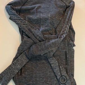 Lululemon Hooded Sweater 🍋 Size Small
